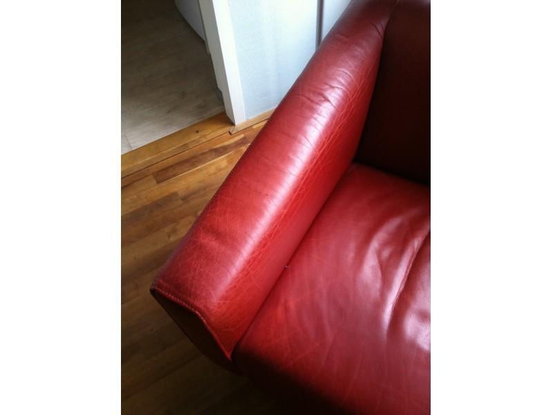 3ea8f201228 We zijn er helemaal blij mee en de stoelen kunnen weer vele jaren mee!  Bedankt Marcel en Berber, jullie hebben echt een topbedrijf, houden zo  :-)!PS.