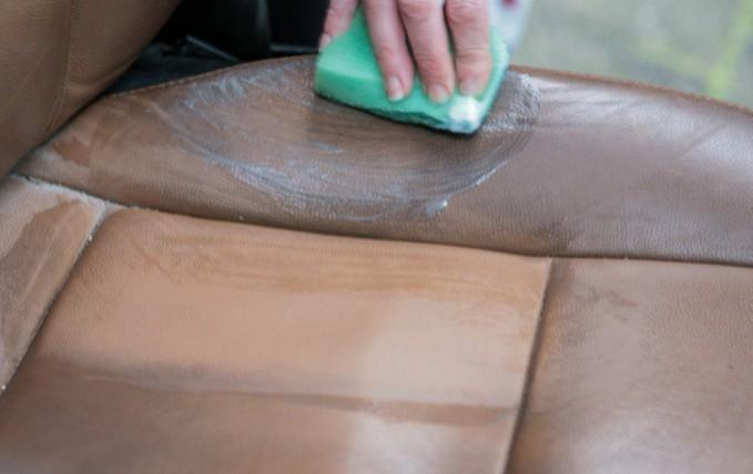 Leren Stoel Verven : Zelf je leren bank meubel of fauteuil verven meubelkliniek nederland